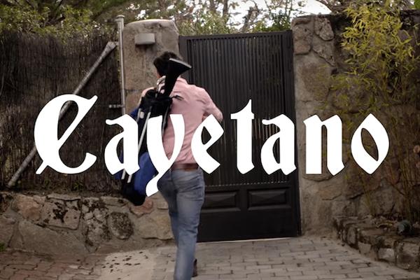Carolina Durante le canta a Cayetano