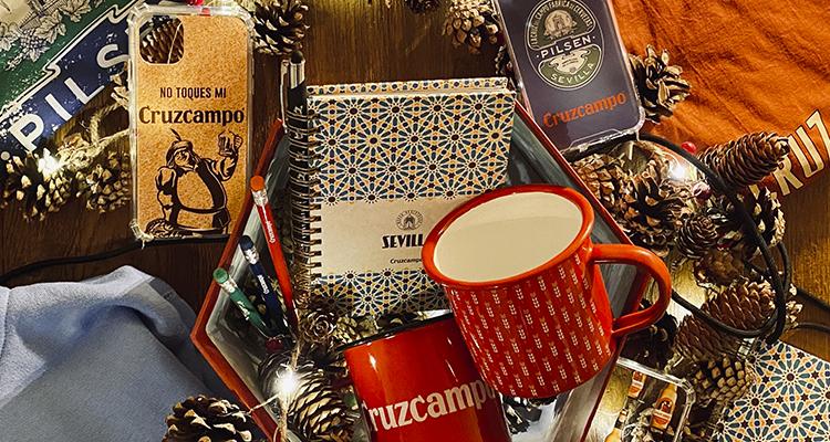 Cruzcampo celebra sus más de 100 años de cultura cervecera con una colección de artículos de regalo
